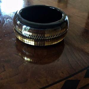 Lucite Bangle Zipper Motif Black Gold